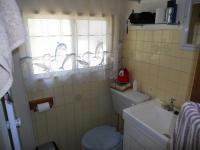 Main Bathroom - 2 square meters of property in Port Shepstone