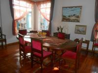 Dining Room - 17 square meters of property in Colbyn