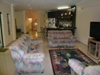 Lounges - 83 square meters of property in Theresapark
