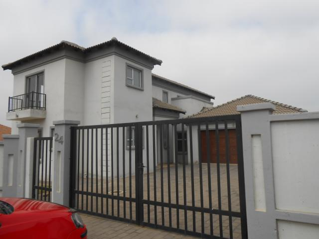 4 Bedroom House for Sale For Sale in Midlands Estate - Private Sale - MR094724