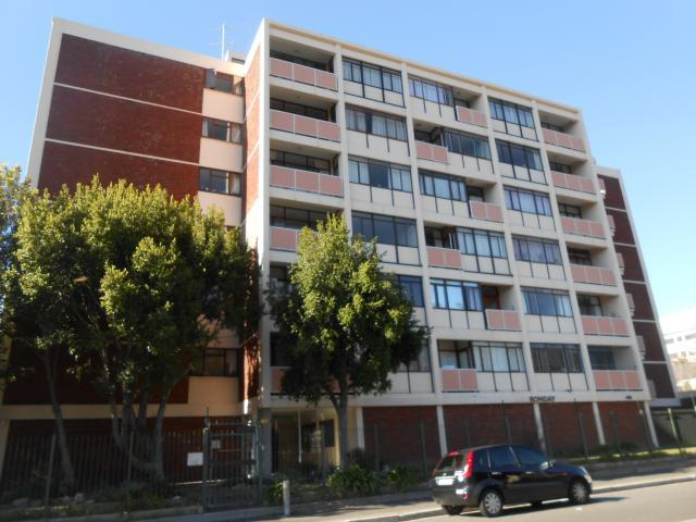 3 Bedroom Apartment For Sale in Newlands - CPT - Private Sale - MR094743