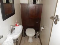 Bathroom 1 - 2 square meters of property in Newlands - CPT