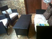 Lounges of property in Grassy Park