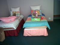 Bed Room 1 of property in Grassy Park