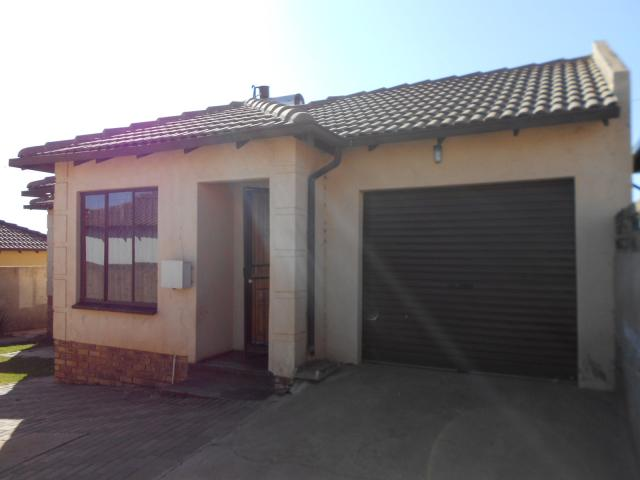 2 Bedroom House for Sale For Sale in Clayville - Home Sell - MR094775