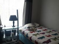 Bed Room 2 - 12 square meters of property in Honeydew