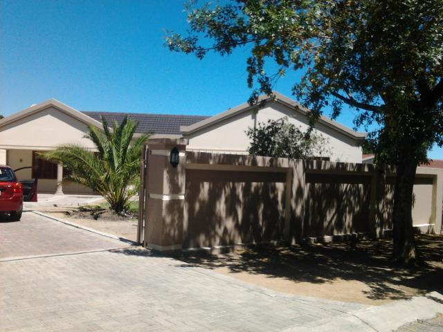 3 Bedroom House for Sale For Sale in Secunda - Private Sale - MR094801