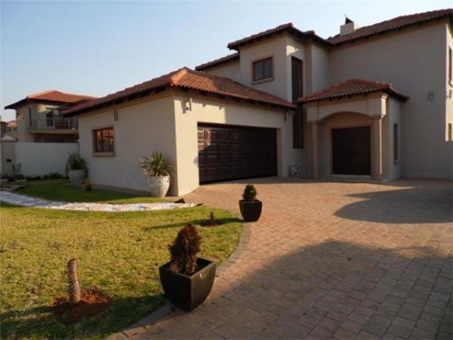3 Bedroom House for Sale For Sale in Hartbeespoort - Private Sale - MR094813