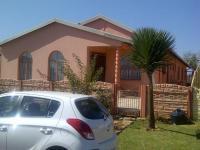 Front View of property in Villa Liza
