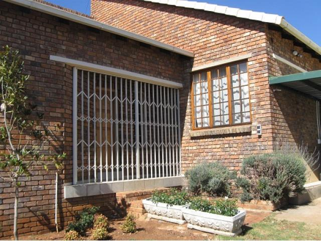 3 Bedroom House for Sale For Sale in Highveld - Private Sale - MR094852