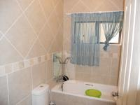 Bathroom 1 - 3 square meters of property in Kingsburgh
