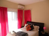 Main Bedroom - 14 square meters of property in Kingsburgh