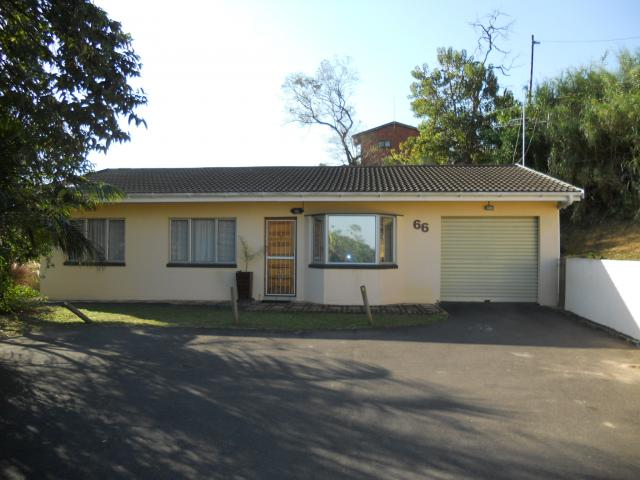 3 Bedroom Simplex for Sale For Sale in Amanzimtoti  - Home Sell - MR094855