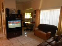 TV Room - 17 square meters of property in Rayton
