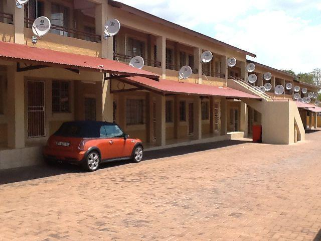 2 Bedroom Duplex for Sale For Sale in Polokwane - Home Sell - MR094915