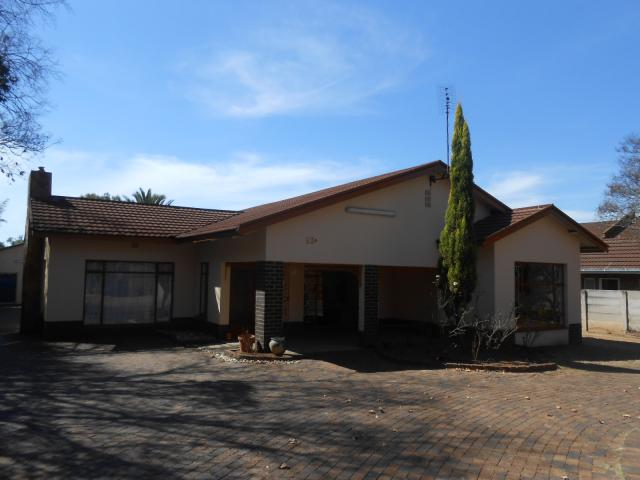 3 Bedroom House For Sale in Middelburg - MP - Private Sale - MR094963