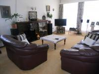 Lounges - 26 square meters of property in Cyrildene