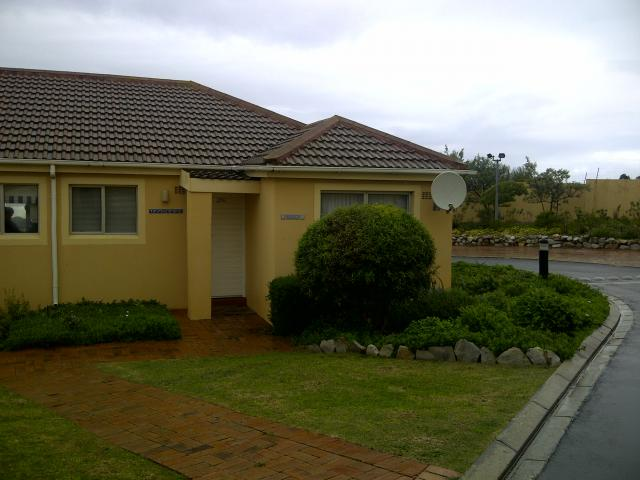 2 Bedroom Simplex For Sale in Hermanus - Home Sell - MR095026
