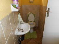 Bathroom 1 - 2 square meters of property in Halfway Gardens