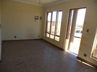 Lounges - 17 square meters of property in Krugersdorp