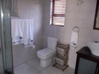 Bathroom 3+ - 5 square meters of property in Zwartkop