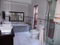 Main Bathroom - 12 square meters of property in Zwartkop