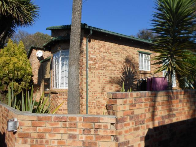 3 Bedroom Sectional Title for Sale For Sale in Bergbron - Private Sale - MR095112