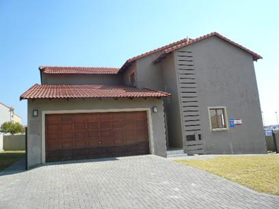 Standard Bank Mandated 3 Bedroom House on online auction in Tijger Vallei - MR09513