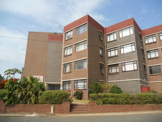 2 Bedroom Apartment For Sale in Amanzimtoti  - Private Sale - MR095131
