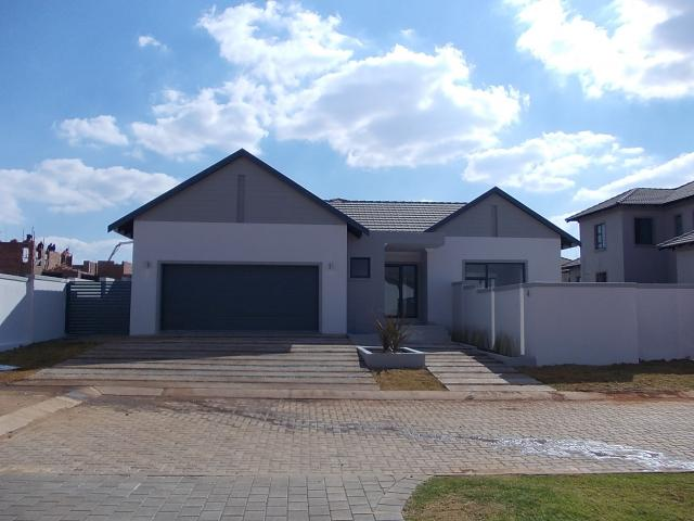 4 Bedroom House for Sale For Sale in Midrand Estates - Home Sell - MR095146