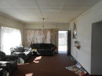 Lounges - 20 square meters of property in Daspoort