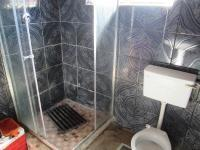Main Bathroom - 5 square meters of property in Ennerdale
