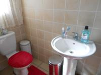 Main Bathroom - 3 square meters of property in Midrand