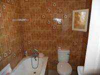 Bathroom 2 - 3 square meters of property in Reservior Hills