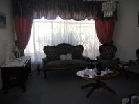 Lounges - 33 square meters of property in Brakpan