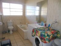 Bathroom 1 - 6 square meters of property in Horison View