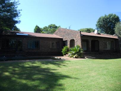Standard Bank Repossessed 4 Bedroom House for Sale on online auction in Fourways - MR09533