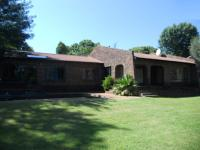4 Bedroom 3 Bathroom in Fourways
