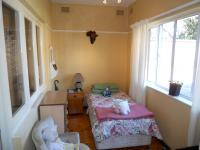 Bed Room 1 - 8 square meters of property in Essenwood