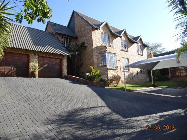4 Bedroom House for Sale For Sale in Rustenburg - Home Sell - MR095399