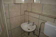 Main Bathroom - 7 square meters of property in Sunnyside