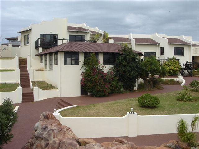 9 Bedroom House For Sale in Jeffrey's Bay - Private Sale - MR095431