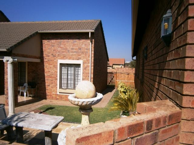 3 Bedroom House for Sale For Sale in Centurion Central (Verwoerdburg Stad) - Home Sell - MR095457