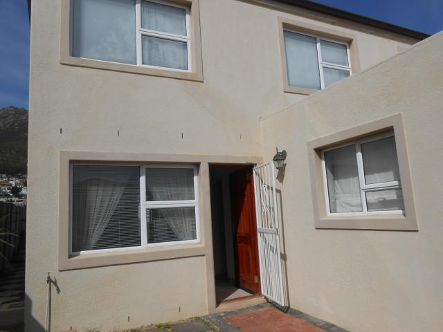 2 Bedroom Duet for Sale For Sale in Gordons Bay - Private Sale - MR095483