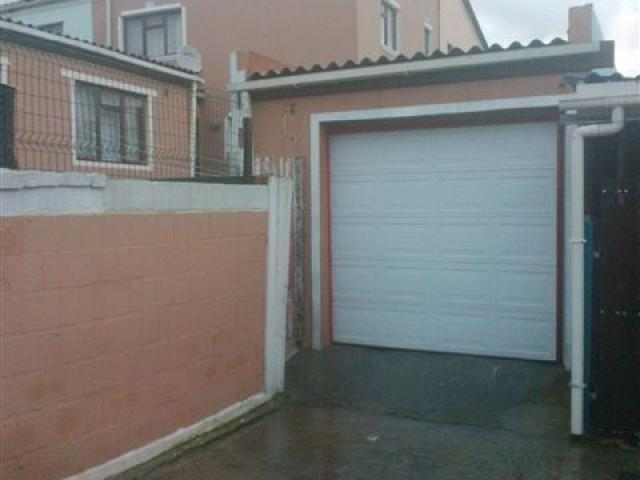 3 Bedroom House for Sale For Sale in Mitchells Plain - Private Sale - MR095493