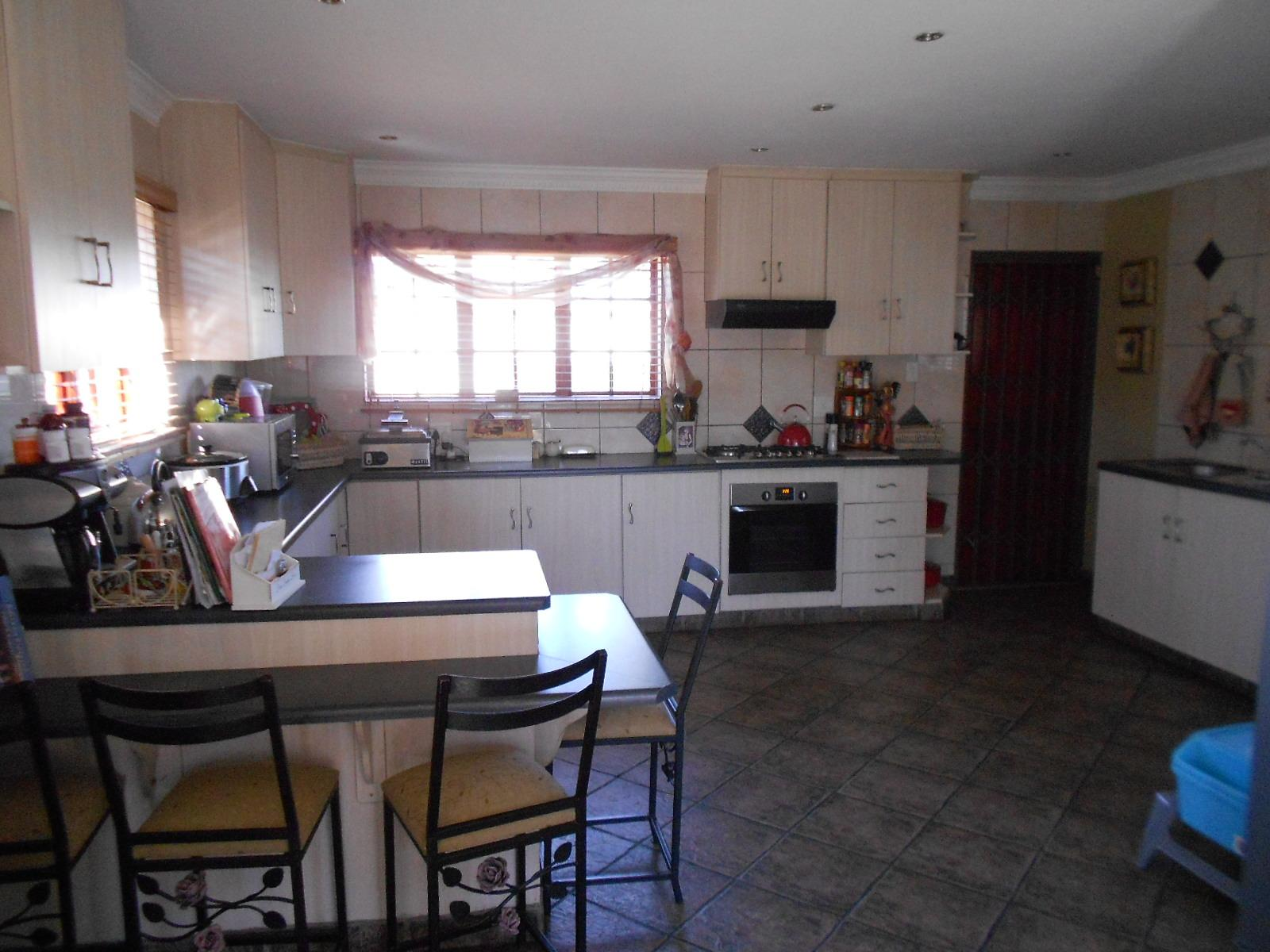 3 bedroom house for sale for sale in brakpan home sell for Kitchen designs boksburg