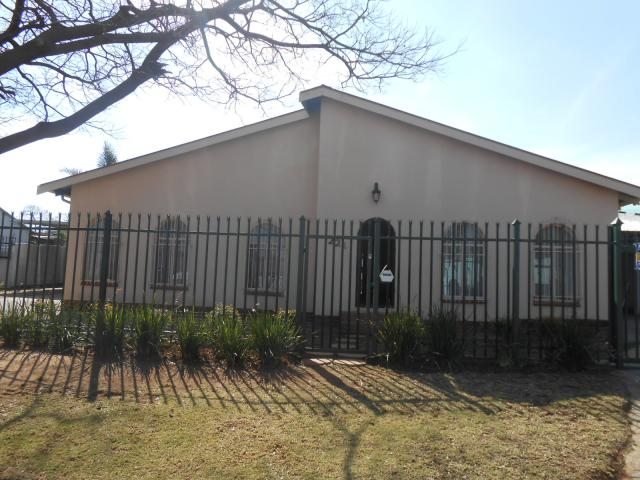 3 Bedroom House for Sale For Sale in Pretoria North - Home Sell - MR095539