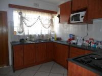 Kitchen - 13 square meters of property in Roodepoort North