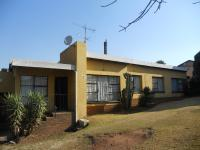 Front View of property in Roodepoort North