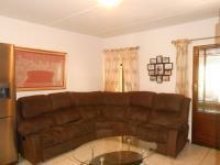 Lounges - 16 square meters of property in Breaunanda